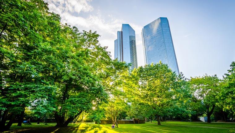 Frankfurt am Main beherbergt nicht nur die Hochfinanz, sondern auch einige Beispiele gelungenen Green Buildings.