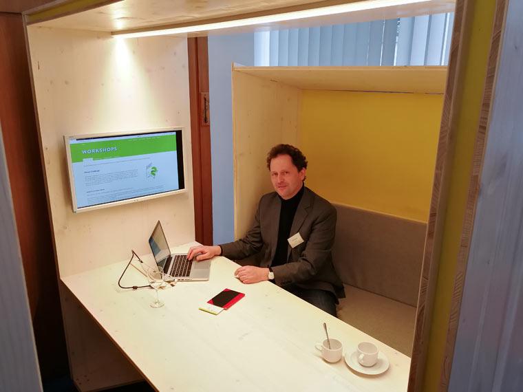 Eine Kommunikationsbox für Ruhe und Privatsphäre