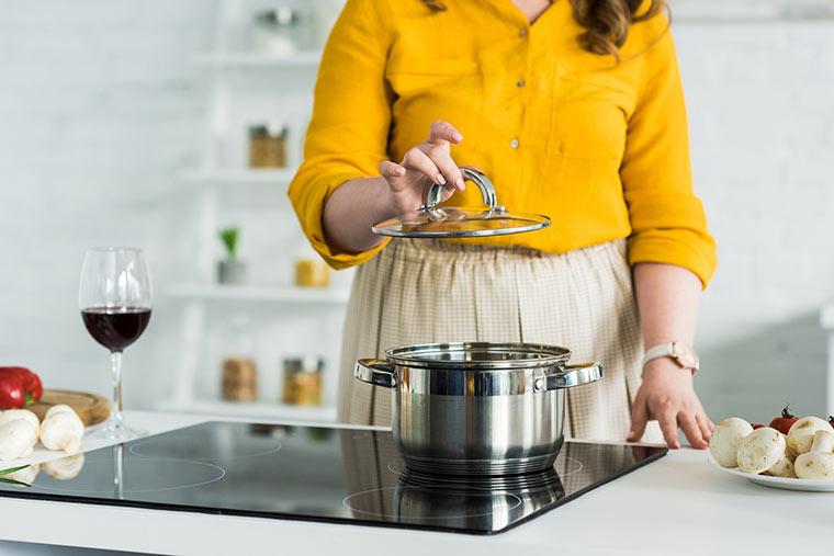 Mit Deckel kochen spart Energie