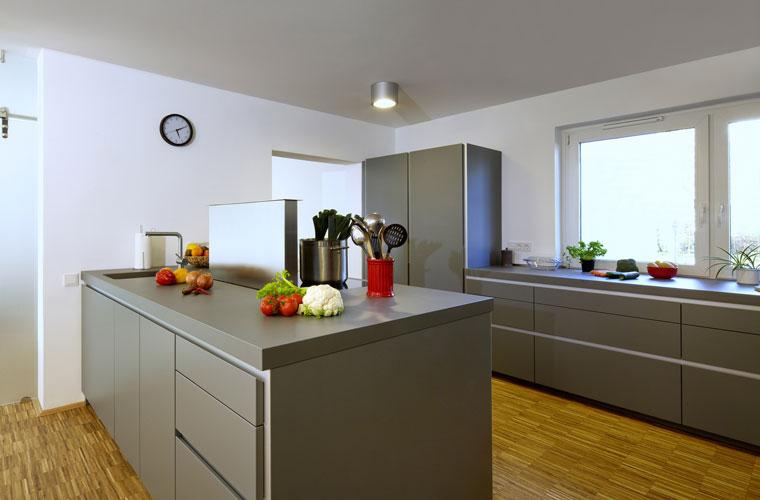abzugshauben fuer die kueche vor und nachteile einer duftfreien kueche. Black Bedroom Furniture Sets. Home Design Ideas