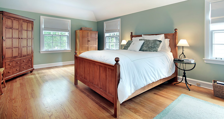 Eine Inneneinrichtung mit Holz, Naturstein oder Metall ist beliebt wie nie.
