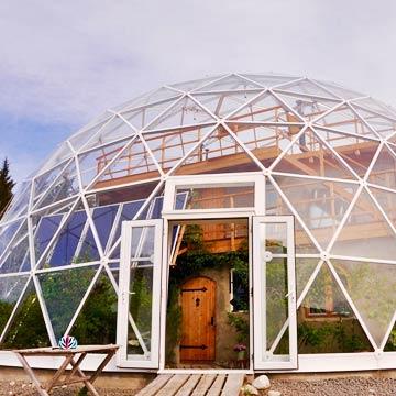Dem Herzen gefolgt: Familie lebt im selbst gebauten Eco-Haus