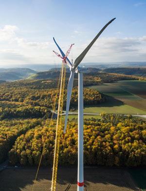 Ausbau neuer Ökostrom-Anlagen ist Pflicht