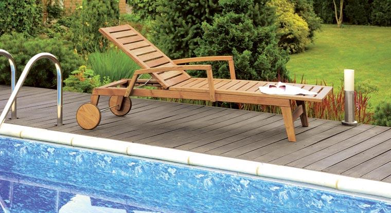 Alle Programme können durch die Gartenliege ?Pescara? ergänzt werden, die durch große, gummierte Holzrollen sehr flexibel ist und sich mit einer sechsfach verstellbaren Rückenlehne für jede Liege- und Sitzposition eignet.