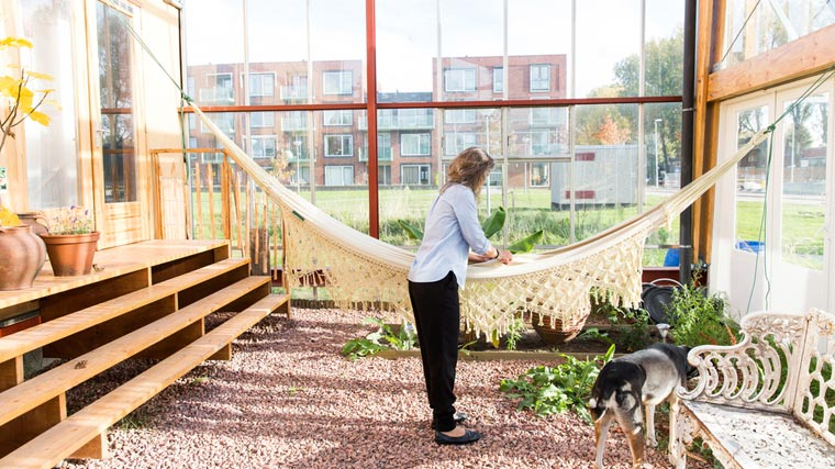 Nachhaltiges und energieeffizientes Wohnen im Gewächshaus
