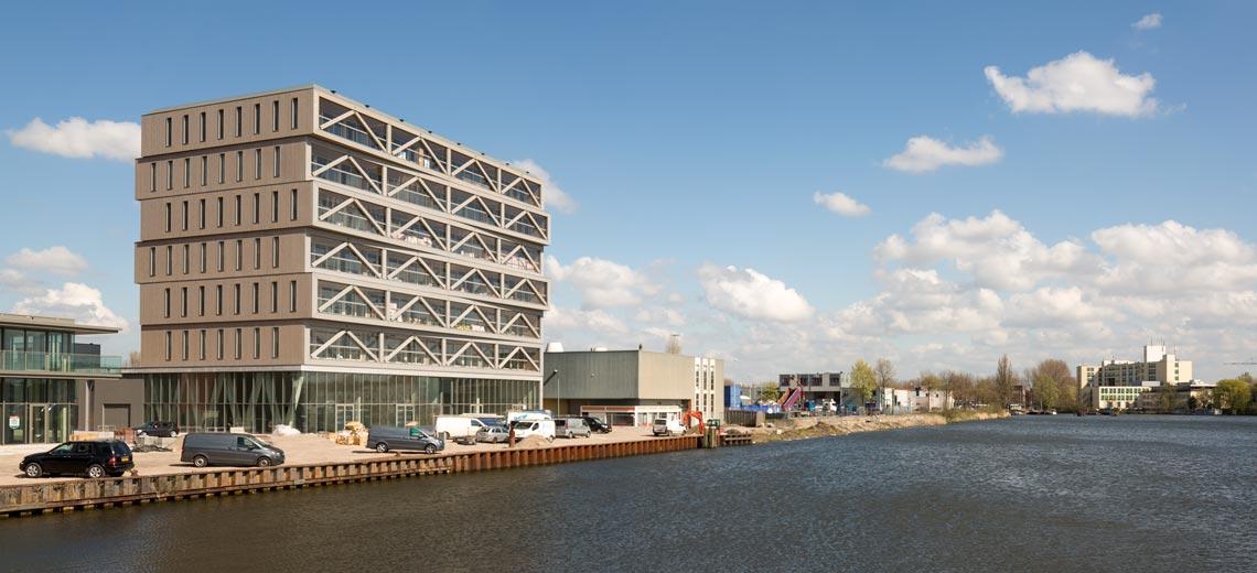 Mehrfamilienhaus aus Holz in den Niederlanden