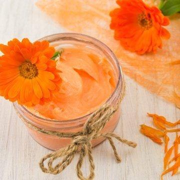 Ringelblumensalbe selber machen: Einfache und natürliche Medizin