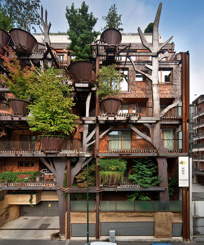 Urban treehouse vertical garden in turin verbindet mensch for Architektur und natur