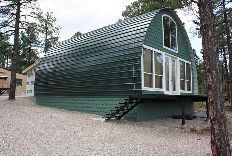 Dieses Tiny House ist effizient, langlebig und vor allem außergewöhnlich.