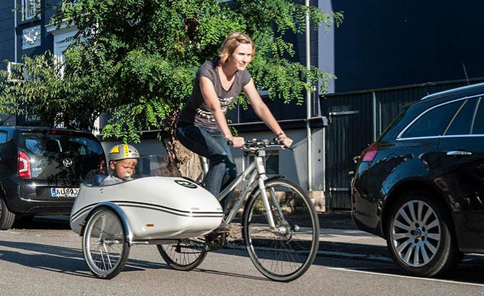 lastenrad mal anders scandinavian sidecar beiwagen zum flexibeln transport. Black Bedroom Furniture Sets. Home Design Ideas