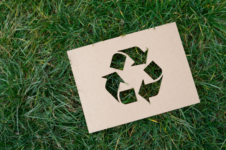 Recyclingpapier schützt Ressourcen ©iStockphoto/Thinkstock