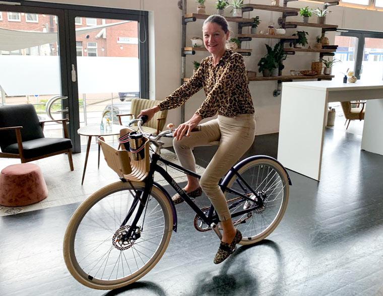 Ulrike Stöckle auf dem Velosophy Fahrrad
