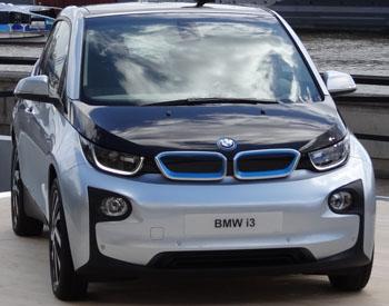 Einen Wink in die Zukunft gibt der neue BMW i3