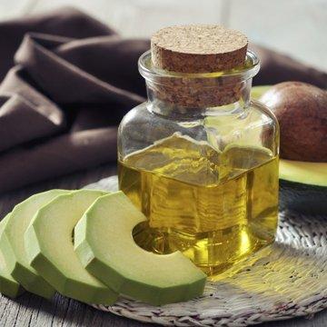 Welches Öl pflegt Haut und Haar besser?