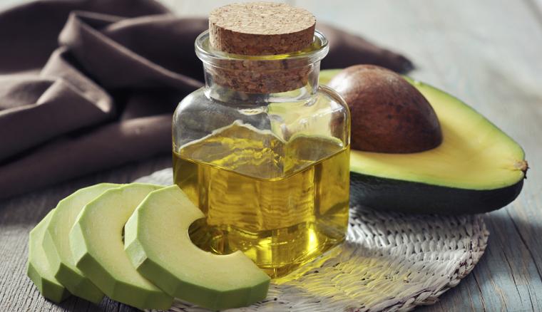Avocadoöl oder Kokosöl? Was ist besser für die Haut?