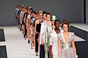 Die Models auf dem Laufsteg © Christiane Trabert