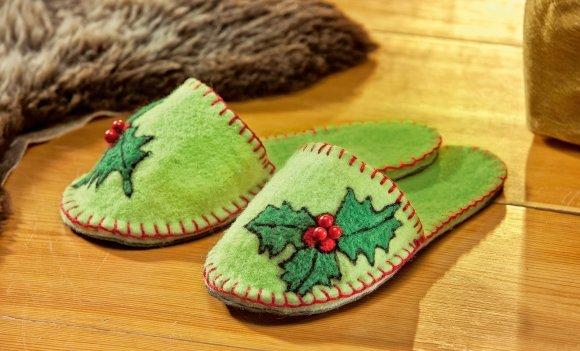 Kuschelig und schick: Filz-Pantoffeln und Handtasche selber machen