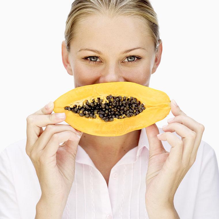 Papaya macht die Haut schön und glänzend