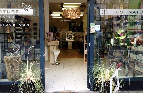 Friseur ohne Chemie mit Naturkosmetik: natürliche Haarpflege bei Just Nature Wiesbaden