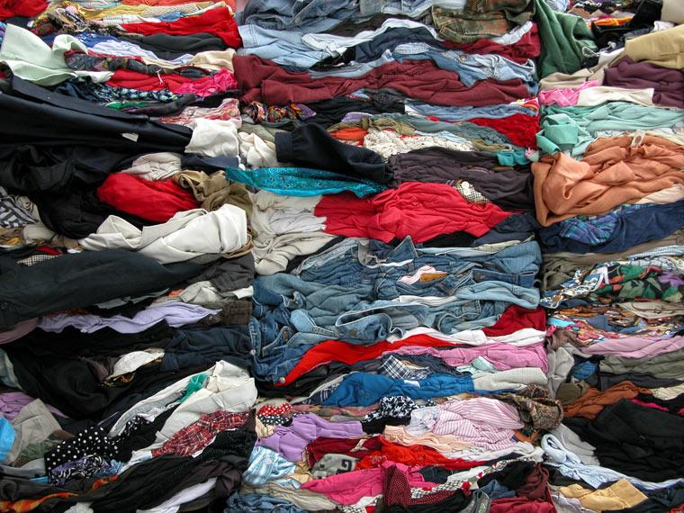 Upcycling: Kleidung recyceln statt wegwerfen