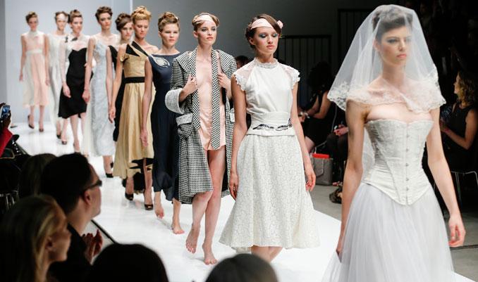 Die Models des Lavera Showfloors