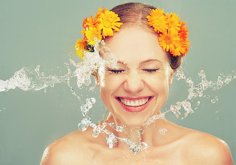 Der neue Beauty-Trend: Gesichtspflege mit Sprudelwasser
