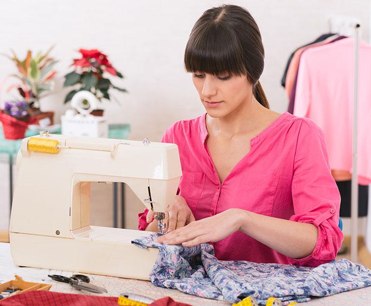 Kleidung reparieren schont die Umwelt