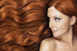Haarglanz auch im Winter: Trockene Haare vermeiden mit diesem Shampoo