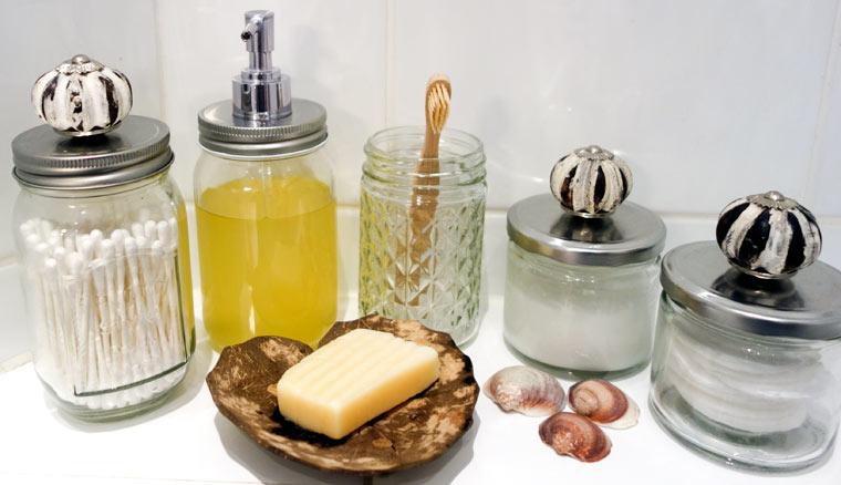 Plastikfreie und umweltschonende Alternativen für das Bad finden