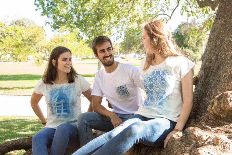 T-Shirt-Prints durch Sonnenlicht