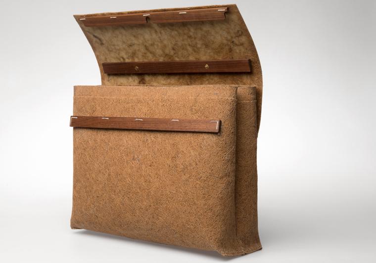 eine einzigartige und umweltfreundliche Tasche, die gerade durch ihre Einfachheit und ihr minimalistisches, aber dennoch elegantes Design überzeugt.