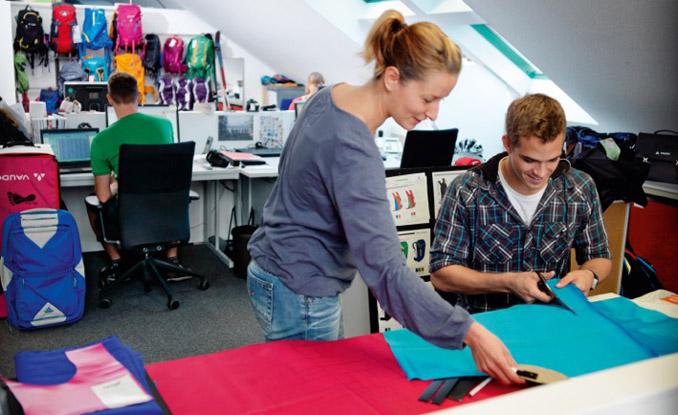 1. VAUDE Geschäftsführerin Antje von Dewitz in nachhaltiger Outdoor-Kleidung