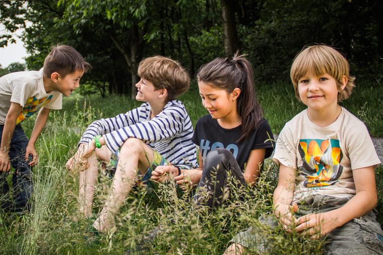 WoodShirt für Kinder: diese Kleidung wird aus Holzfasern produziert