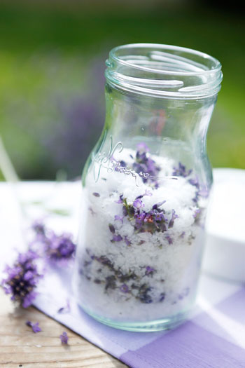 Lavendel-Salz: einfach selbstgemacht ©Nivea