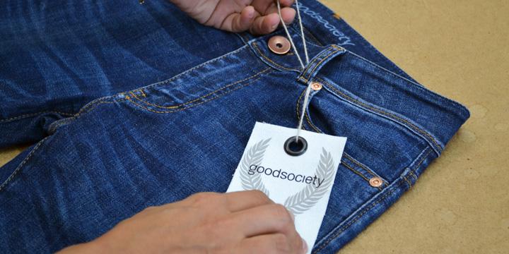 Lässige Öko-Jeans für eine bessere Welt