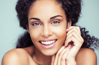 So bekommst du mit der richtigen Ernährung schönere Haut, Haare & Nägel