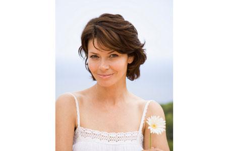 Pflegende Kosmetik selber machen: Gänseblümchen Salbe und Tinktur.
