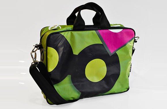 Recycling Taschen von MyOneAndOnly: Von Werbung zur Tasche