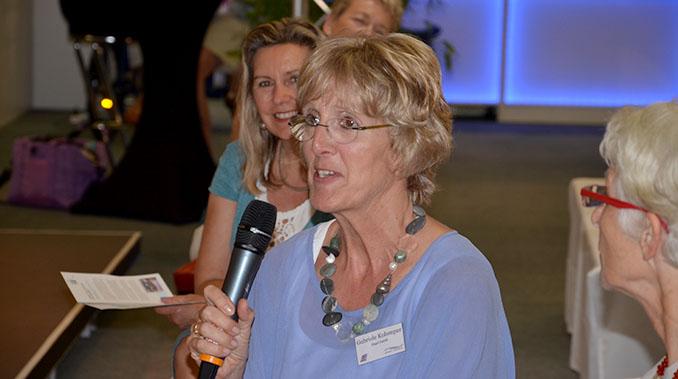 Neben den Leserfragen war auch das Publikum integriert und durfte nach Herzenslaune fragen, wie es um die Textilindustrie steht © ecowoman.de