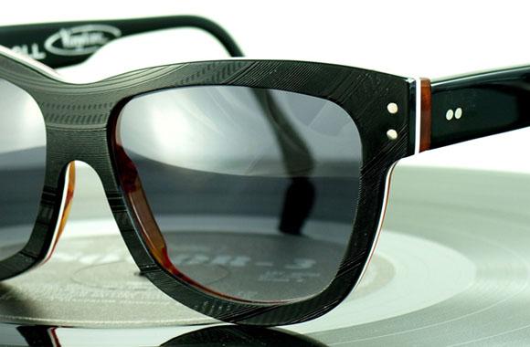 Da ist Musik drin: Brillen aus ausgemusterten LPs