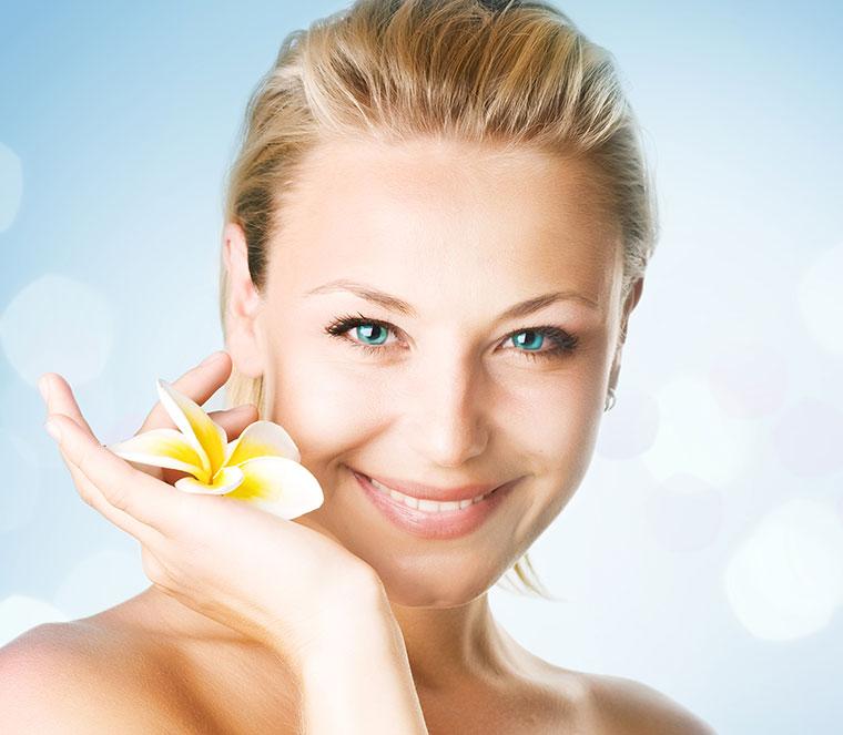 6 natürliche Wunderrezepte gegen wintermüde Haut