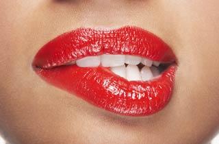 Die besten Hausmittel für strahlend weiße Zähne