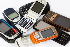 Viele alte Handys, und mit ihnen ihre Rohstoffe, schlummern in deutschen Schubladen © curraheeshutter/ iStock/ Thinkstock