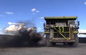 Fahrzeuge der Mine Tintaya-Antapaccay, Peru © ZDF / Daniel Meinl