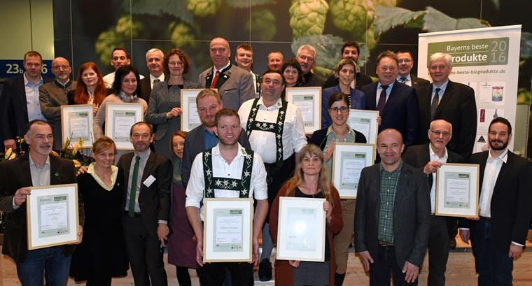 Zwei von zehn Preisträgern sind Naturland Partner