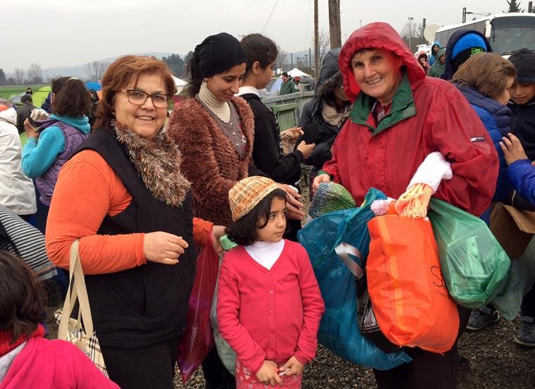 Mit Ihrer Kleiderspende können Sie an Ostern Flüchtlingen in Idomeni helfen