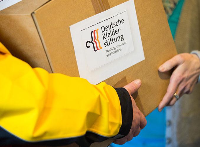 Kostenfreie Paketspenden sind über die Deutsche Kleiderhilfe möglich