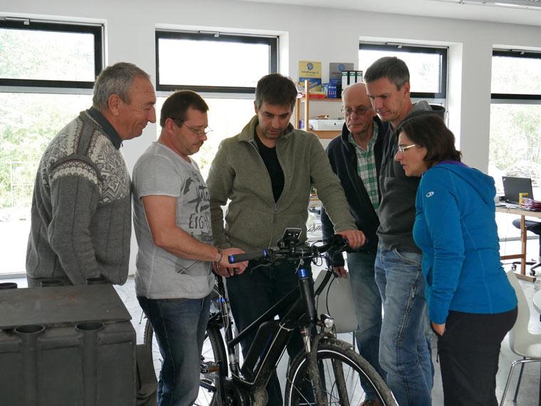Pedelecs und E-Bikes testen