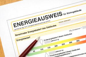 Energieausweis soll Energieeffizienz von Wohngebäuden kennzeichen © PeJo29/ iStock/ Thinkstock