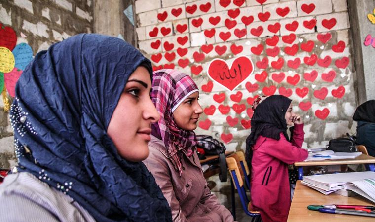 In ganz Deutschland engagieren sich Ehrenamtliche in der Flüchtlingshilfe, verteilen Hilfsgüter oder geben Deutsch-Unterricht